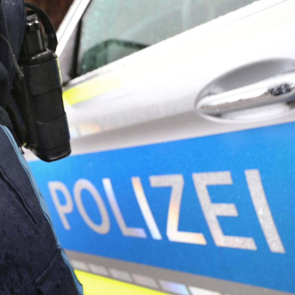 Österreich: Mann soll weibliche Internetbekanntschaft zehn Tage gefangen gehalten haben