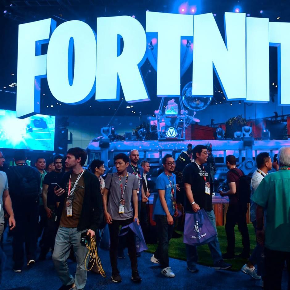 """Beliebtes Computerspiel down: Blackout bei """"Fortnite"""": Was hinter dem mysteriösen """"schwarzen Loch"""" stecken könnte"""