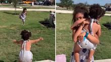 Virales Video: Die einjährige Aliya wartet auf ihre Geschwister, die aus dem Schulbus steigen.