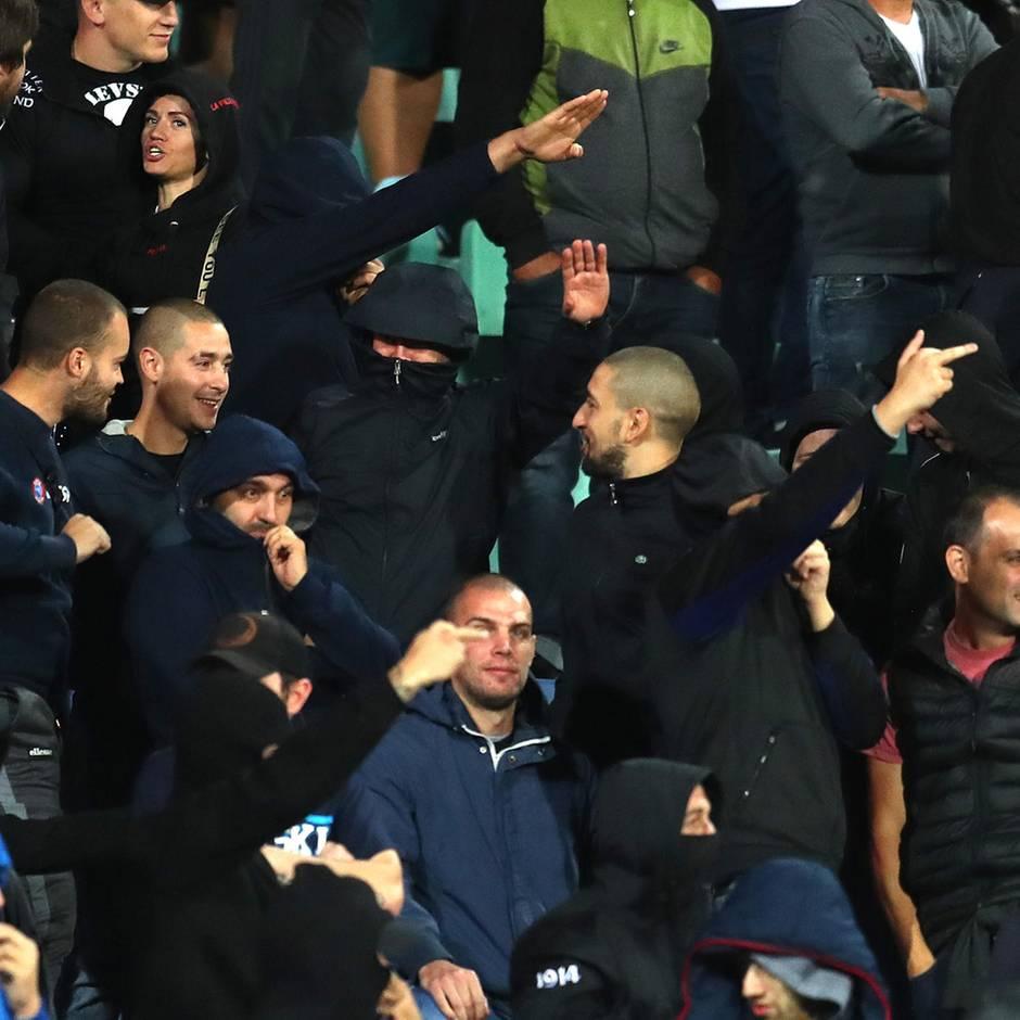 Sport kompakt: Rassistische Beleidigungen und Hitlergruß bei Englands Kantersieg gegen Bulgarien