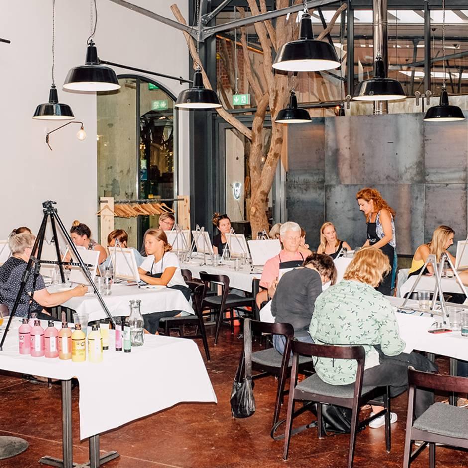 """""""DHDL""""-Start-up: Wenn Erwachsene malen und Wein trinken – ein Abend bei Art Nights im Selbstversuch"""