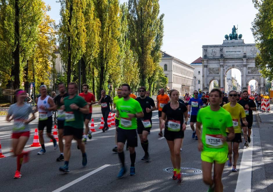 """München Marathon: 14-Jähriger läuft """"aus Versehen"""" 42,195 Kilometer"""