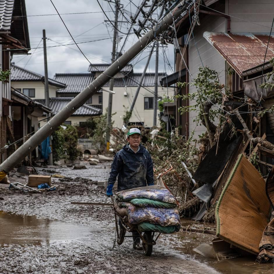 Keine Adresse vorhanden: Draußen tobte der Taifun: Notunterkunft in Tokio verweigerte Obdachlosen den Zutritt