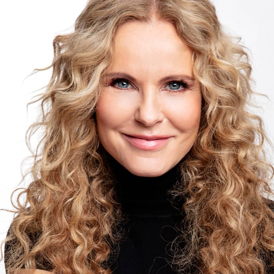 """RTL """"Punkt 12"""": NEON-Traumjob: Katja Burkard, wie wird man eigentlich Fernsehmoderatorin?"""