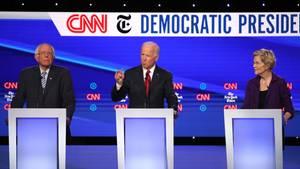 Die demokratischen Präsidentschaftsbewerber Bernie Sanders (l.), Joe Biden und Elisabeth Warren
