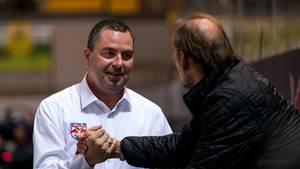 Sport kompakt: Red-Bull-München-Manager Christian Winkler am Rande eines Spiels