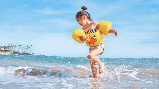Kinder lieben die Ferien – für Eltern sind sie manchmal schwierig zu organisieren