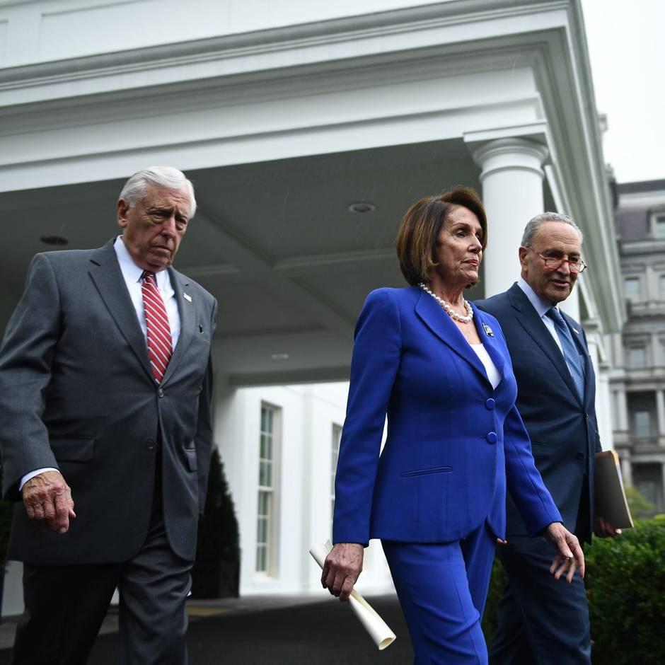 """""""Ausraster"""" des US-Präsidenten: Trump beschimpft Pelosi als """"kranke Person"""" – Eklat nach Treffen im Weißen Haus"""