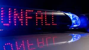 """Polizeilicht mit Aufschrift """"Unfall"""""""