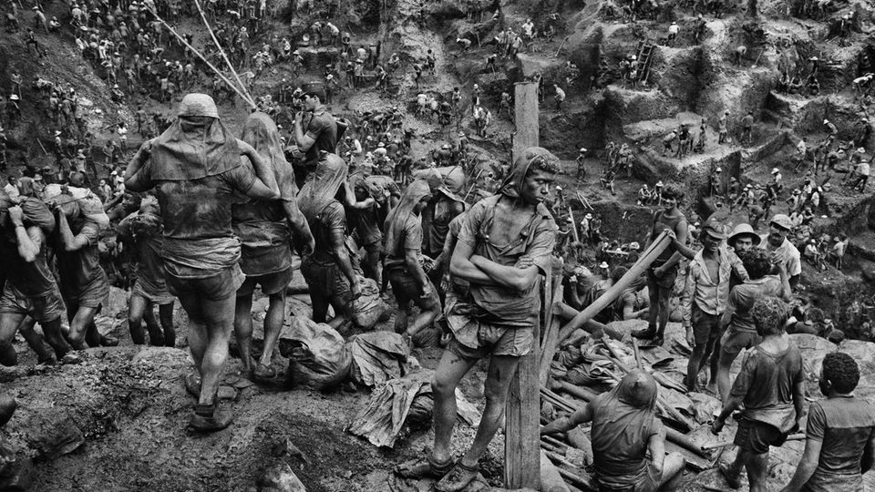 Die Goldsucher der Serra Pelada in Brasilien