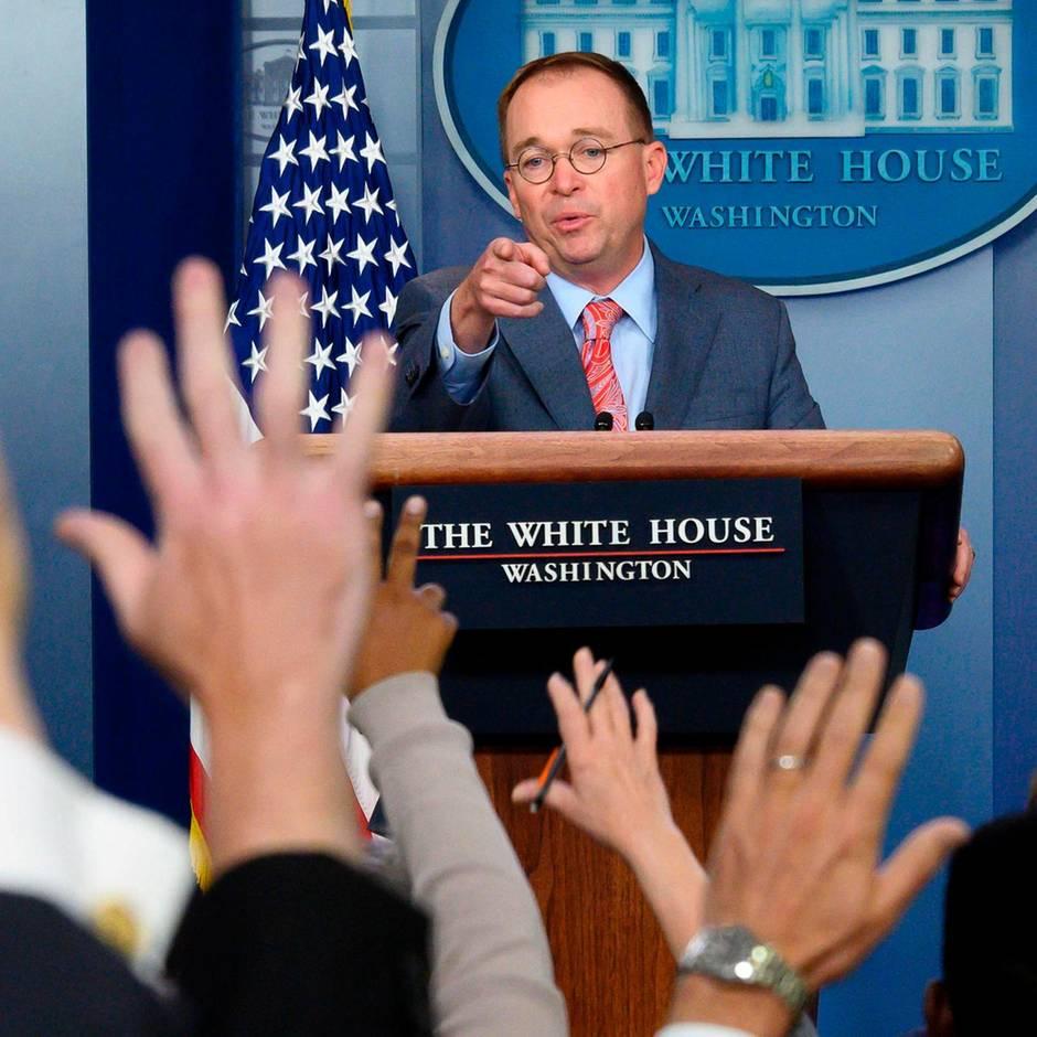Ukraine-Affäre: Stabschef bringt Trump mit widersprüchlichen Aussagen in Erklärungsnot