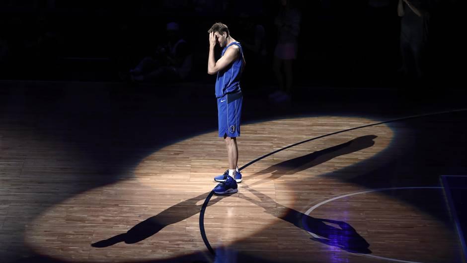 """Tränenreicher Abschied: Dirk Nowitzki: """"Das letzte Heimspiel werde ich nie vergessen"""""""