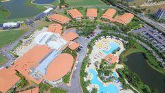 Blick auf die mehr als drei Quadratkilometer große Anlage mit knapp700 Hotelzimmern, Ballsälenund vier Golfplätzen.