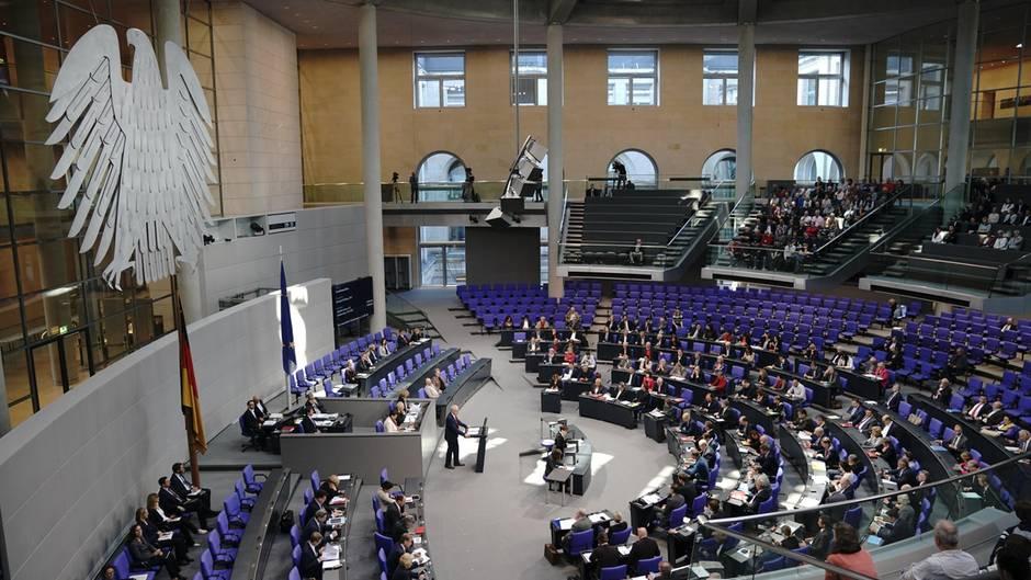 Bernhard Daldrup (SPD) spricht in der Debatte zur Grundsteuer-Reform