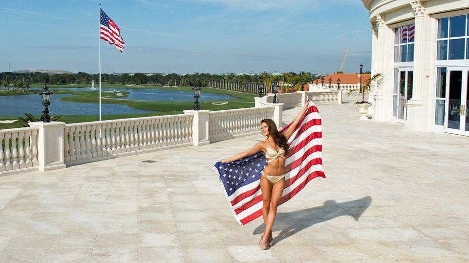 Foto-Shooting auf der Hotelterrasse des Trump National Doral: Nia Sanchez, die Miss USA 2014 mit dem Sternenbanner.