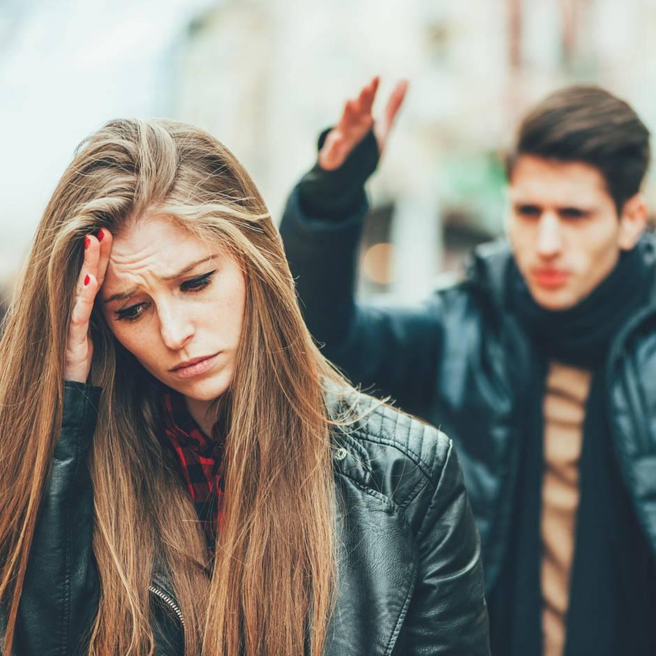 Konflikte in der Partnerschaft: Wie du Eifersucht bekämpfen kannst, bevor sie deine Beziehung zerstört