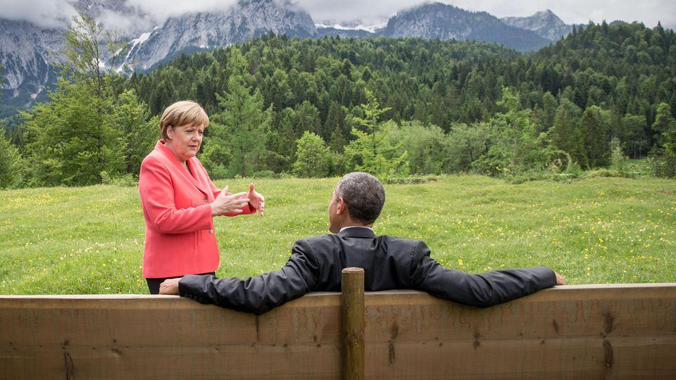 Bundeskanzlerin Angela Merkel und der damalige US-Präsidenten Barack Obama 2015 beim G7-Gipfel auf Schloss Elmau