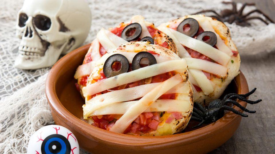Käse-Pizza mit Augen
