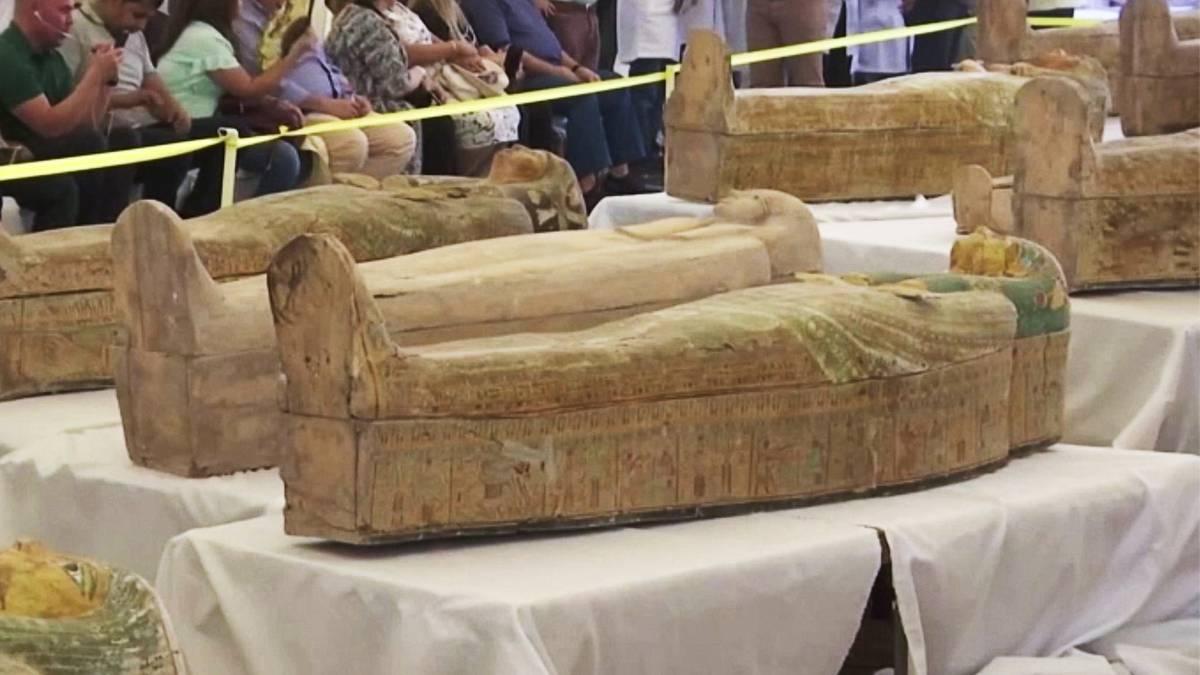 Sensationeller Fund: Versteckte Begräbnisstätte: Archäologen öffnen 3000 Jahre alte Sarkophage