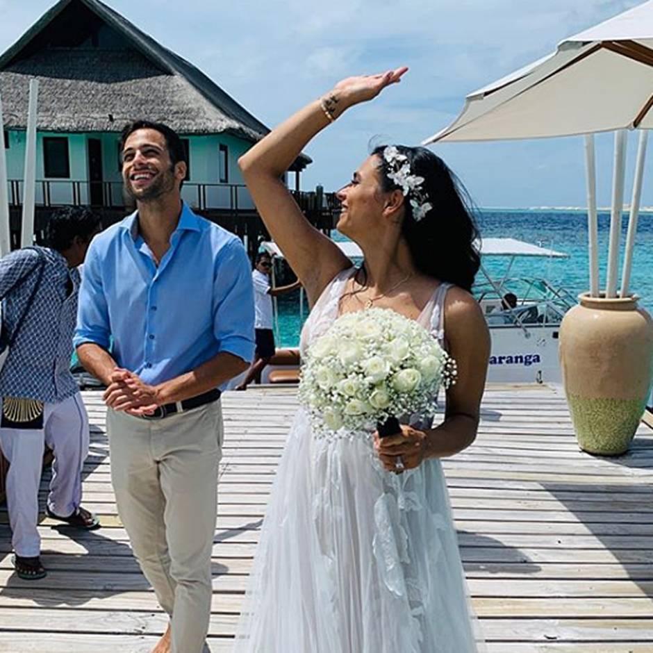 Heimliche Hochzeit?: Freundin von Oliver Pocher zeigt sich im Brautkleid