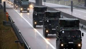 Ein Bundeswehr-Konvoi auf der A20 in Mecklenburg-Vorpommern (Symbolbild)