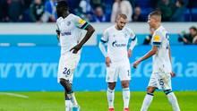 Enttäuschte Schalker nach der 2:0 Niederlage gegen Hoffenheim