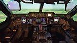 Das geräumige Zwei-Mann-Cockpit der A400M mit seinen acht Flüssigkristallbildschirmenerinnert stark an das eines Airbus A380.