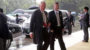 Prinz Charles bei der Inthronisierungszeremonie in Tokio