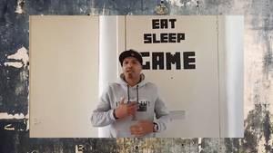 Addy Agame in einem seiner Videos