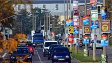 Zahllose Wahlplakate zierenLaternenmasten in Erfurt: InThüringen wir am Sonntag ein neuerLandtag gewählt