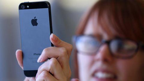 Wer ein iPhone 5 besitzt, sollte das Gerät zeitnah aktualisieren.