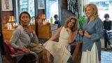 Streaming: Film Platz 9: Otherhood Bei den Kritikern fiel die Komödie um drei Helikopter-Mütter, die ihre erwachsenen Söhne besuchen, knallhart durch. Die Zuschauer scheint das aber nicht zu stören: Mit 29 Millionen Zuschauern ist es einer der erfolgreichsten Netflix-Filme des letzten Jahres.