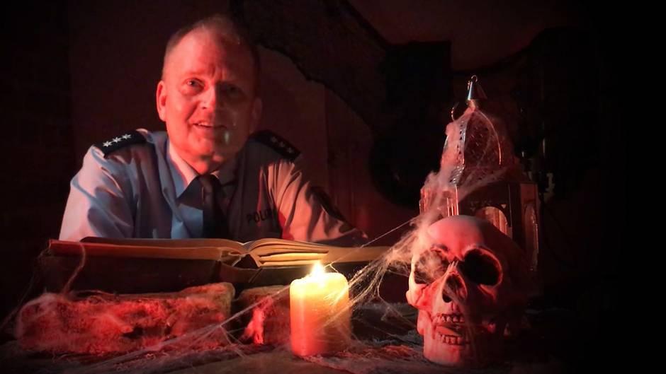 Vermeintliche Lappalien: Halloween-Streiche: Polizei Bochum klärt per Gruselvideo über rechtliche Konsequenzen auf