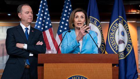 Nancy Pelosi und Adam Schiff