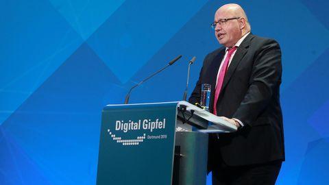 Wirtschaftsminister Peter Altmaier (CDU) Minuten vor seinem Sturz in Dortmund