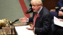 Boris Johnson spricht am Dienstag in der Debatte zu vorgezogenen Neuwahlen