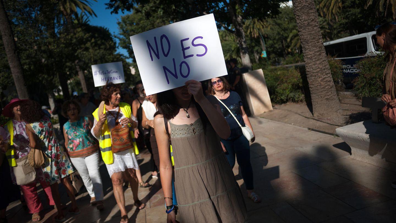 """Spanien, Manresa: """"Nein heißt Nein"""", steht auf den Plakaten der Demonstranten"""