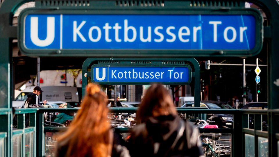 Der Berliner U-Bahnhof Kottbusser Tor