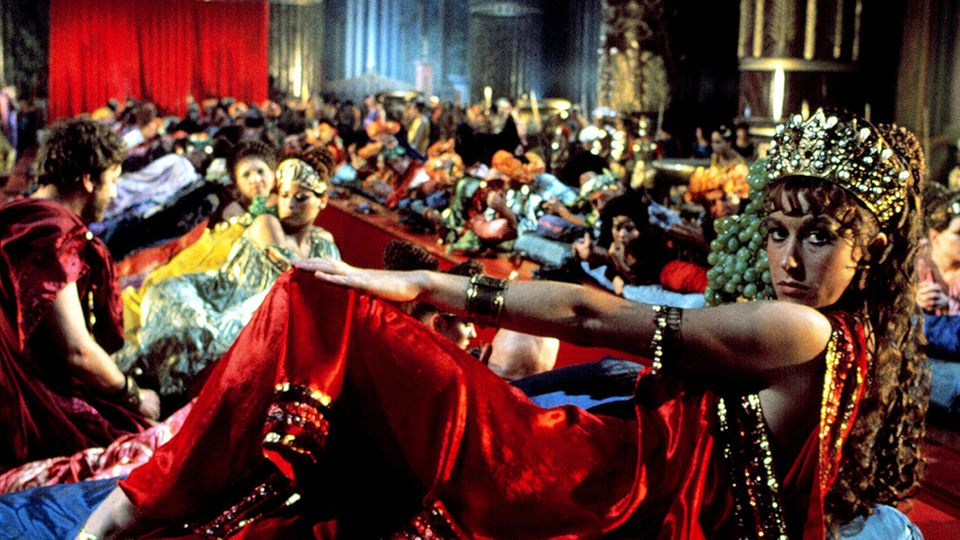 """In Tinto Brass Kinoporno """"Caligula"""" spielte Mirren die hemmungslose Milonia Caesonia."""
