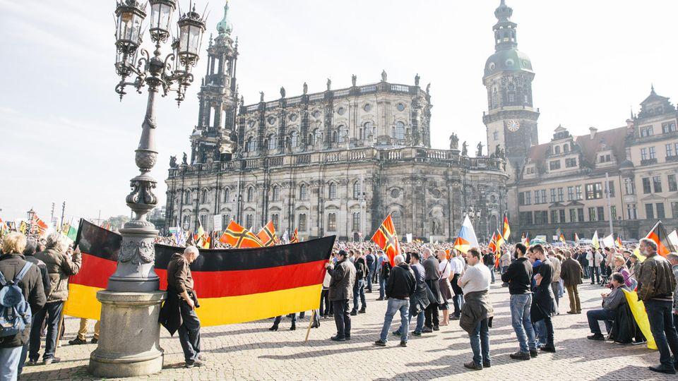 """Dresdens Stadtoberhaupt kritisiert Ratsbeschluss zu """"Nazinotstand"""""""