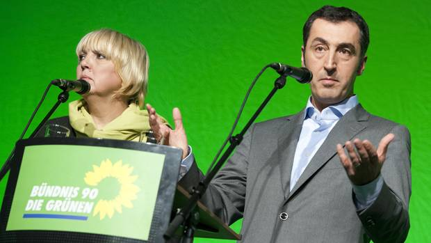 Claudia Roth und Cem Özdemir am Rednerpult