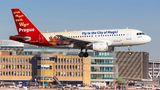 Einige Jets vonCSA Czech Airlines fliegen im Auftrag von Eurowings - und machen Reklame für einen Prag-Besuch, wie dieser Airbus A319.