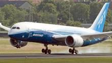 Boeing 787 Dreamliner bei der Landung