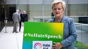 Renate Künast kämpft als Betroffene gegen Hate Speech im Internet