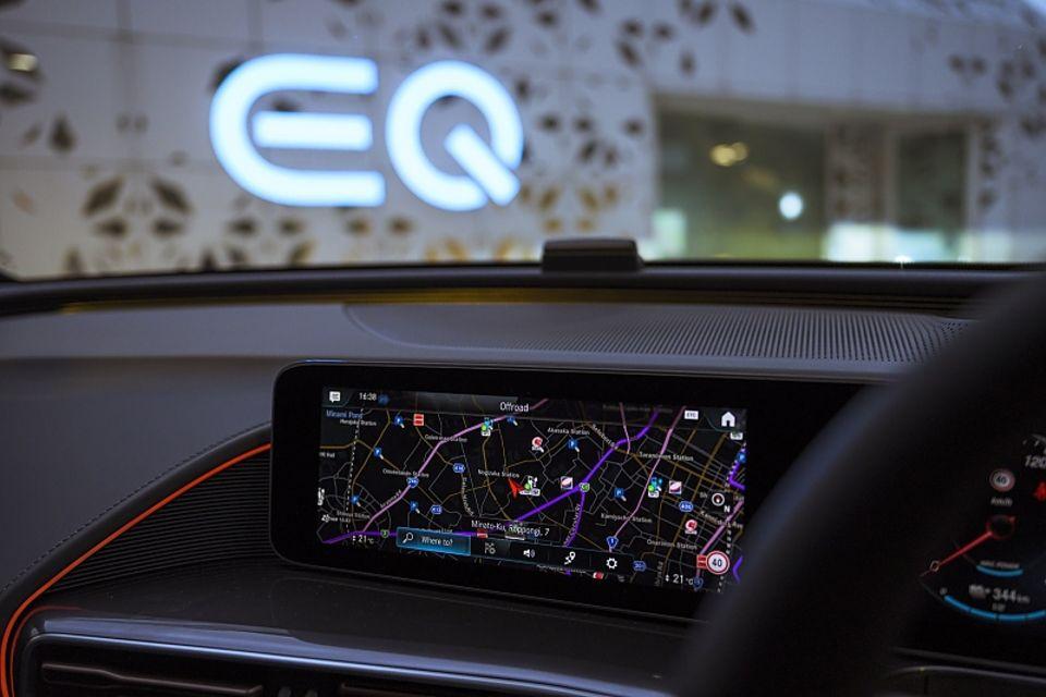 Mercedes EQC in Japan
