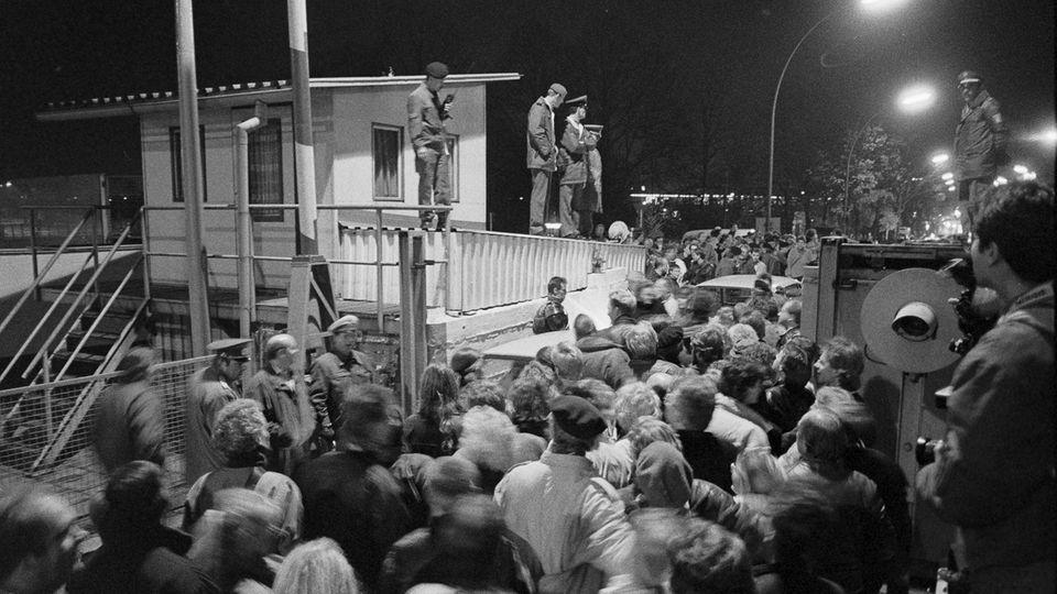 30 Jahre Mauerfall Grenzübergang Invalidenstraße