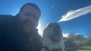 Jon Attenborough und sein Blindenhund Sam