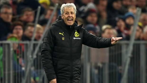 Verzweifelt am Spielfeldrand: BVB-Trainer Lucien Favre in München
