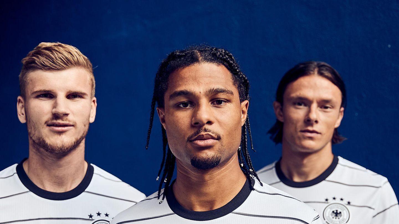 Drei deutsche Kicker im neuen Dress: Timo Werner, Serge Gnaby und Nico Schulz (v.l.)