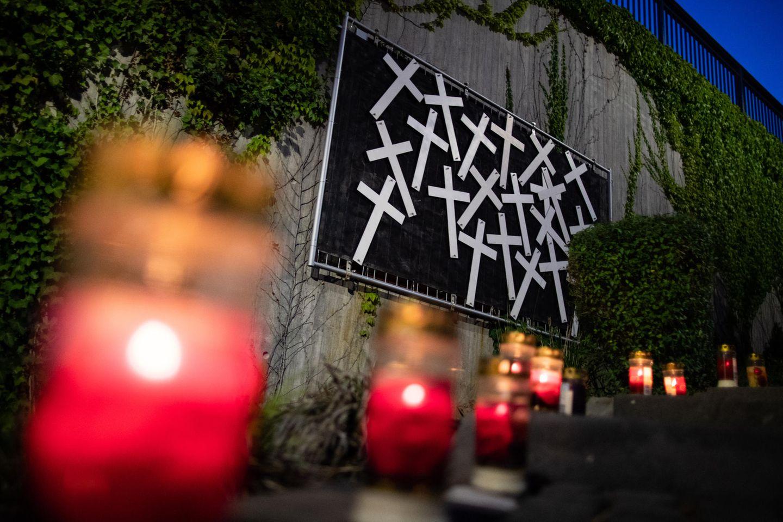 21 Menschen starben am 24. Juli 2010 bei einem Massengedränge im Zugangsbereich der Loveparade in Duisburg. Ein Theater will das schwierige Thema 2020 auf die Bühne bringen. (Symbolfoto)